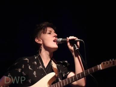 Mia Dyson sings