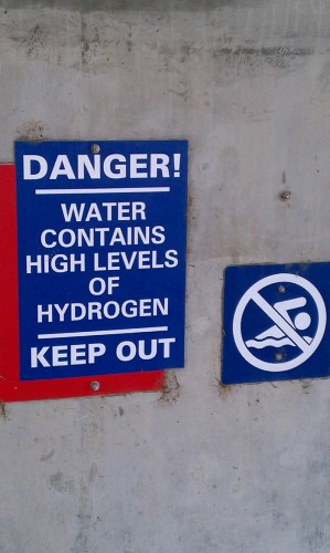 water contains high levels of hydrogen 299x500 water contains high levels of hydrogen