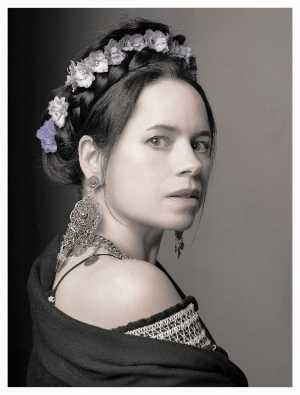 Natalie Merchant with flowers 777x1024 Natalie Merchant with flowers