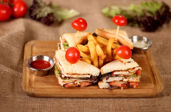finger sandwiches with tomatoes sugar 1024x671 finger sandwiches with tomatoes sugar