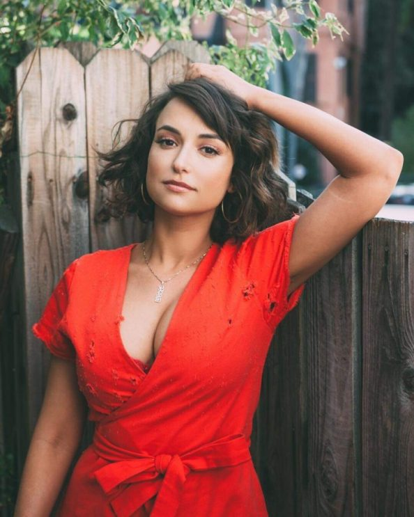 Milana Vayntrub in a red top 819x1024 Milana Vayntrub in a red top