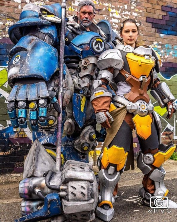 Overwatch Cosplayers 819x1024 Overwatch Cosplayers