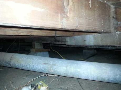 sagging floors in crawl space