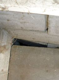wide gap between foundation and slab