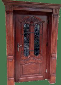 drzwi-zewnetrzne-drewniane-de%cc%a8bowe-z-przeszkleniem-i-ozdobna-nakladka%cc%a8