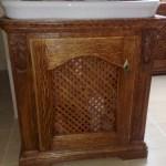 Drewniana szafka pod umywalke wentylowana