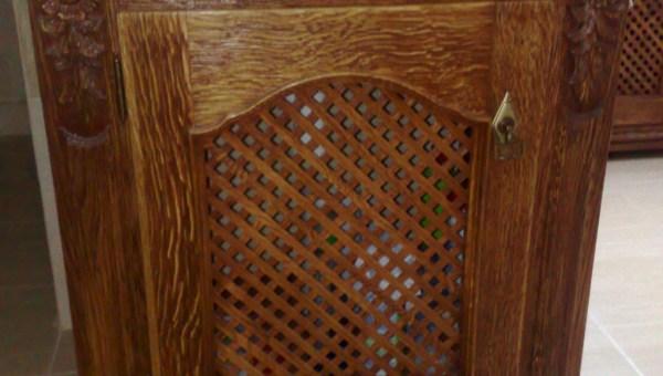Drewniana szafka pod umywalkę wentylowana