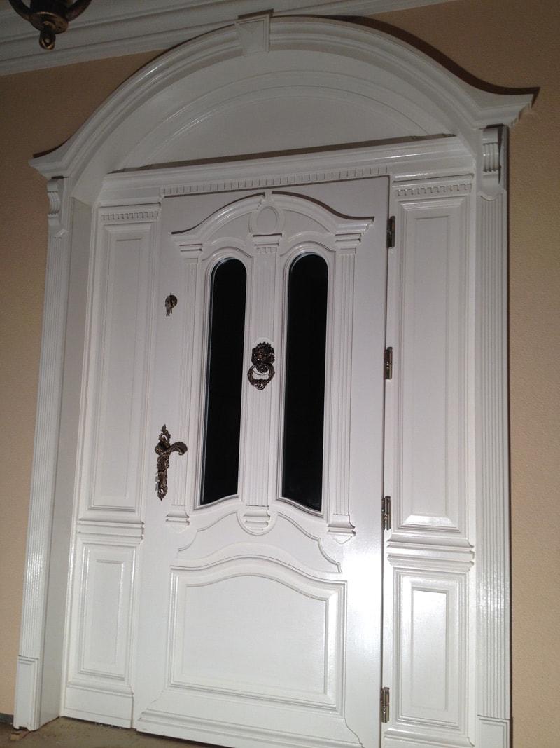 Drzwi zewnętrzne ręcznie wykonane – białe