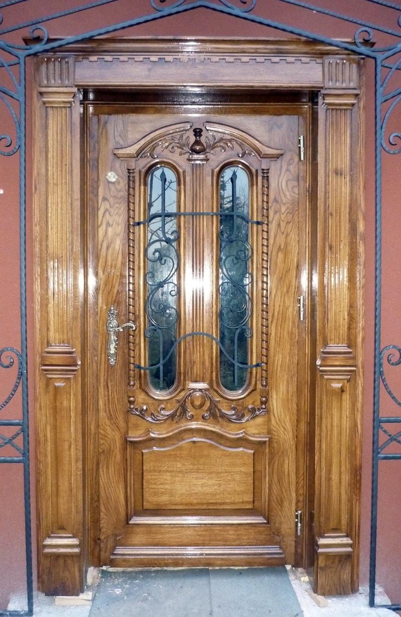 Drzwi zewnętrzne dębowe z nakładką ozdobną