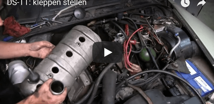 Adjusting the valve-clearances of a Citroen DS