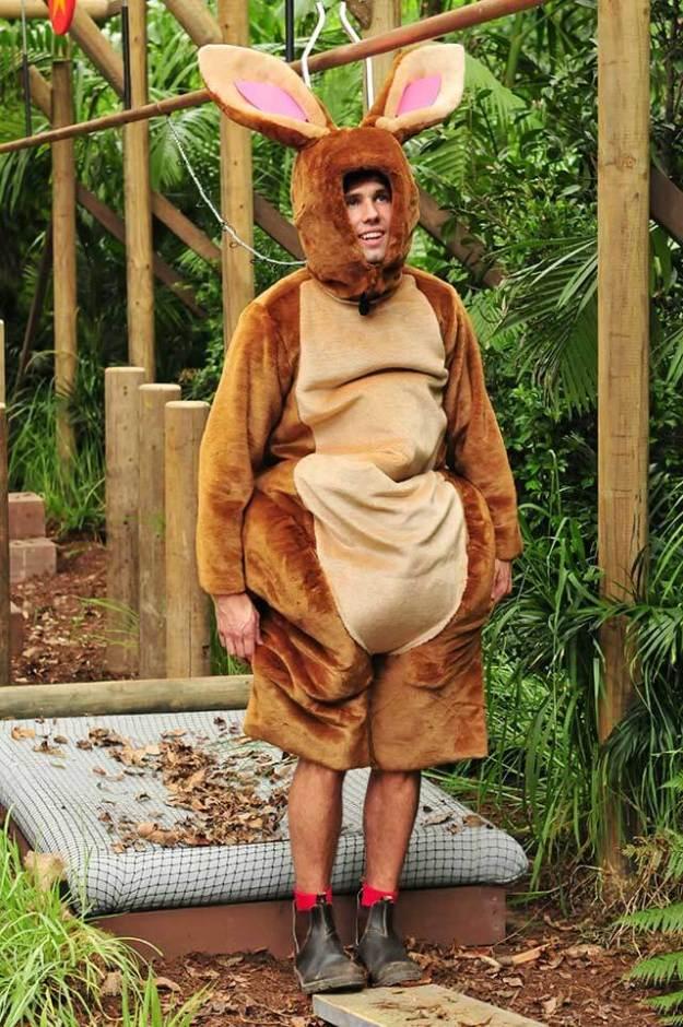 Honey als dummer Hase in der Dschungelprüfung