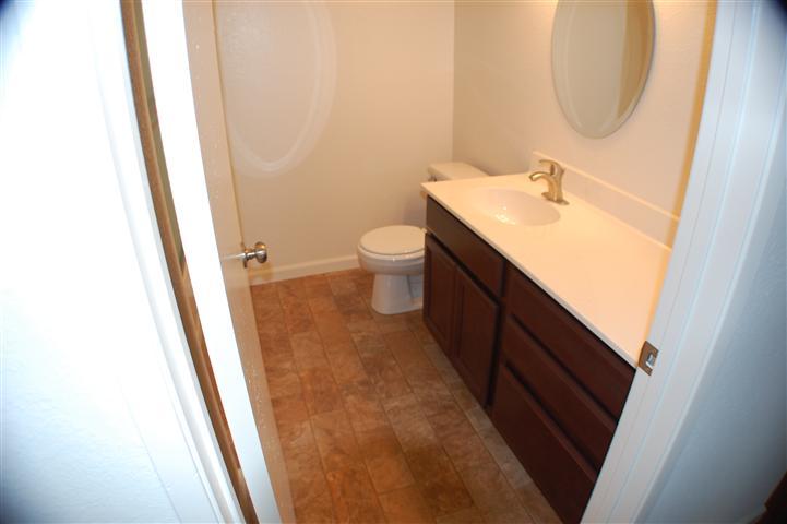 suisun remodel guest bathroom
