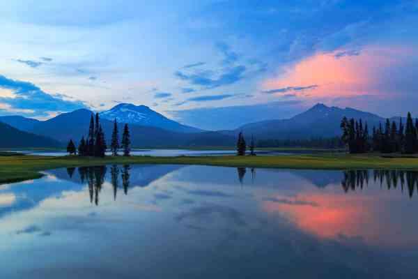 Sparks Lake Summer Sunset