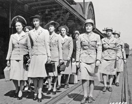 "The Women's Air Corps trained in Des Moines during World War II in uniforms outfitted by Younkers. During the war, Younkers was ""super gung-ho in terms of supporting the effort,"" says author Vicki Ingham. ""They sold war bonds through payroll deduction and to customers through booths in the store."""
