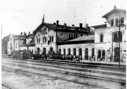 1920 р. На станцію Єлисаветград прибув потяг «Жовтнева революція»
