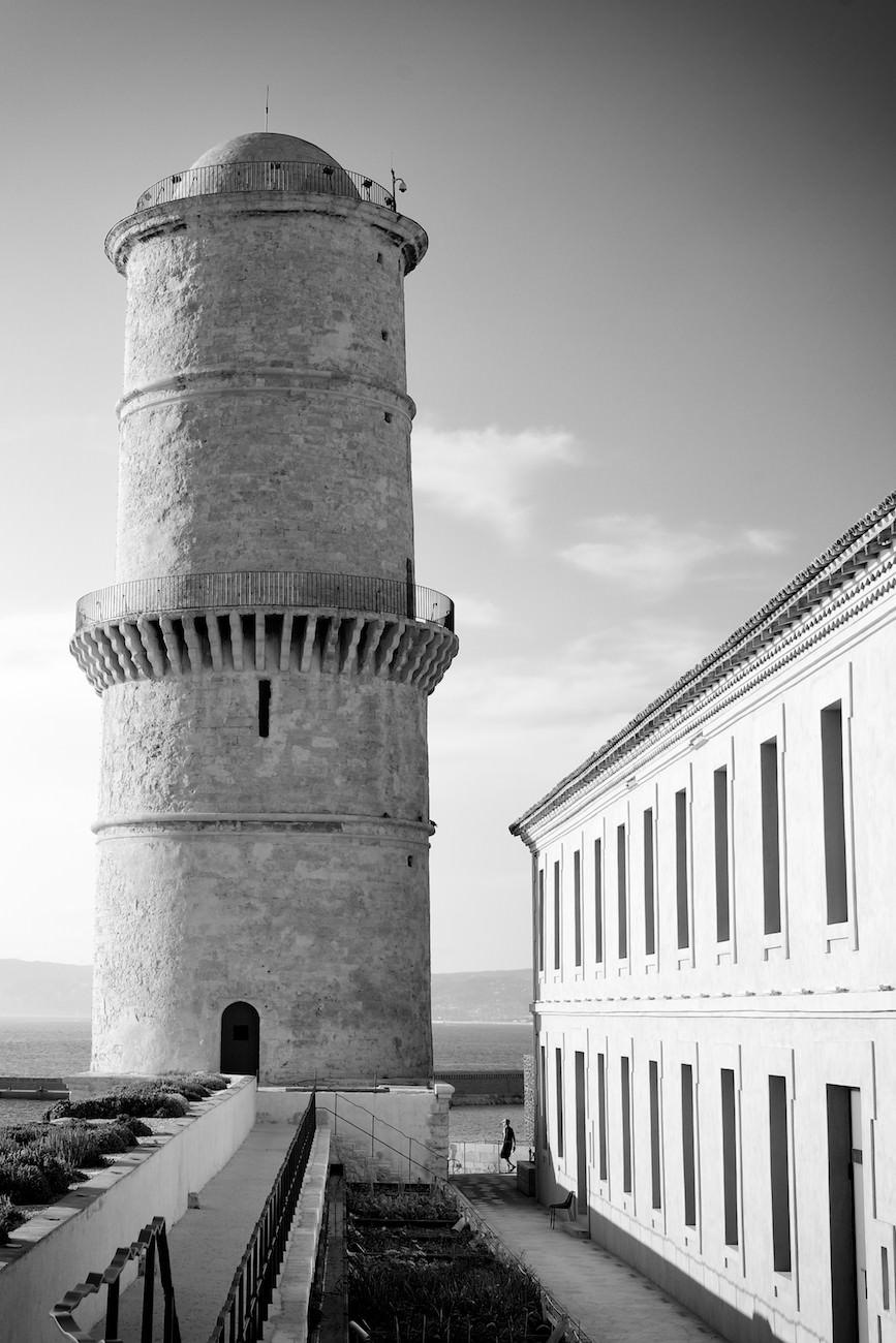 La tour et la mer