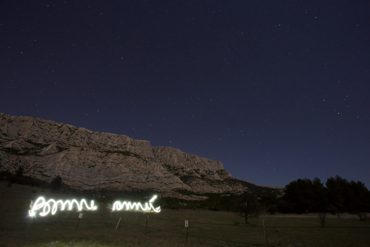 Essai: photo d'étoiles au dessus de la Ste Victoire