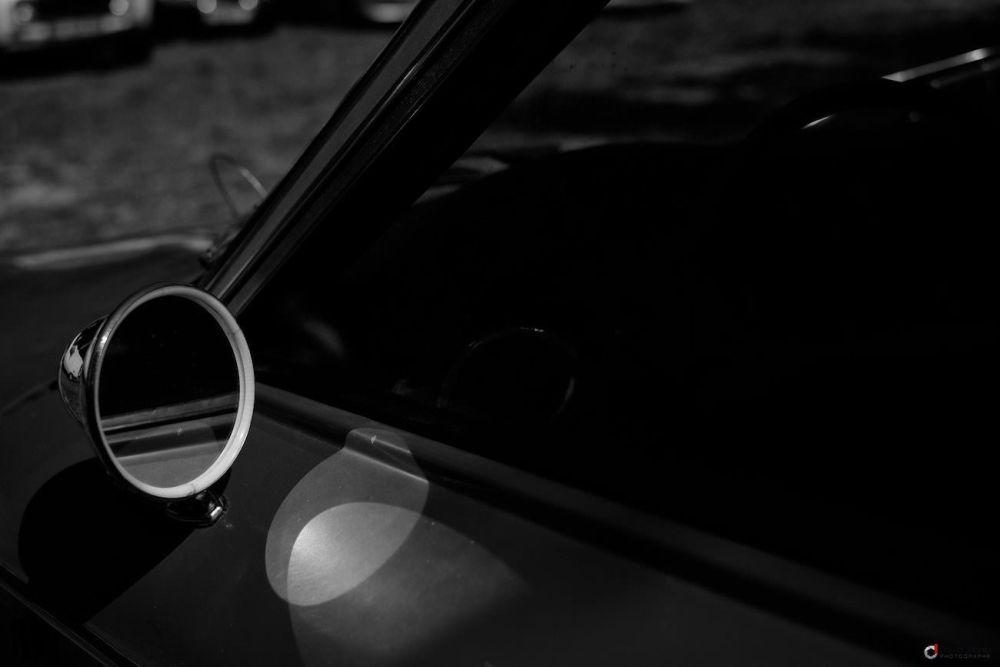 Rétroviseur de vieille voiture