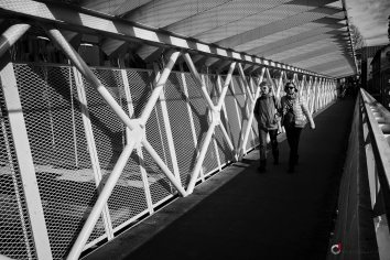 Photo sur la passerelle d'Aix