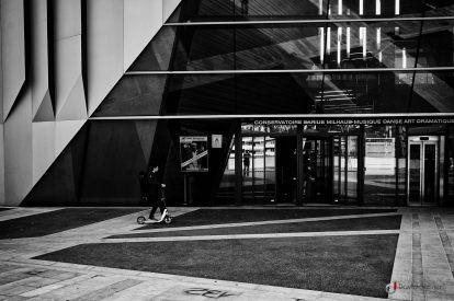 Trottinnette devant le conservatoire d'Aix