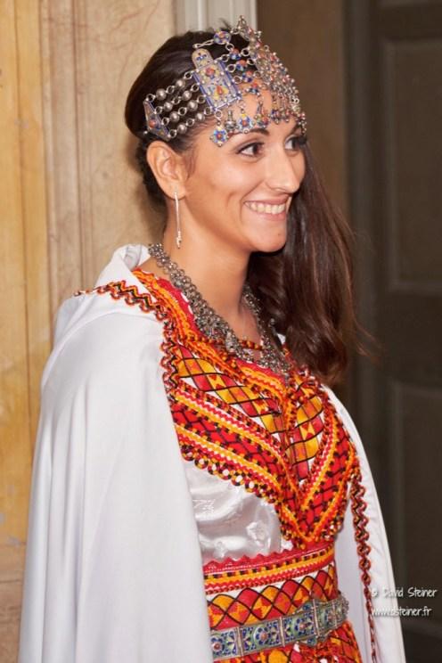 La mariée en tenue orientale