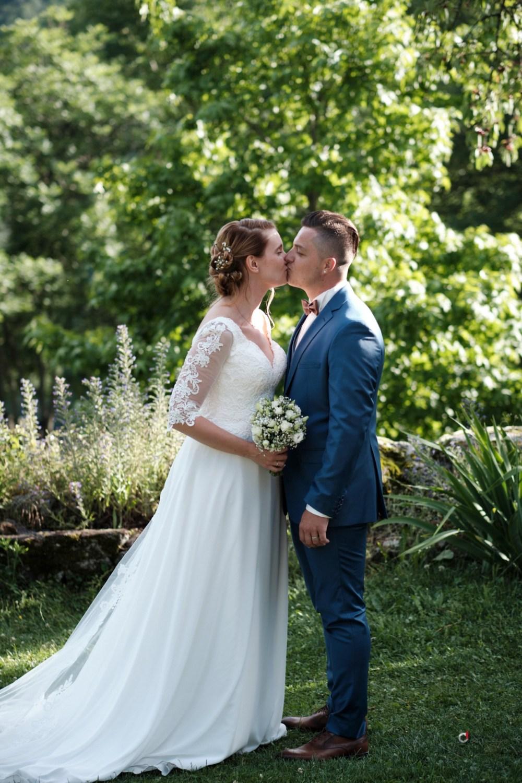 Photo de couple dans la nature du Mas Nouveau