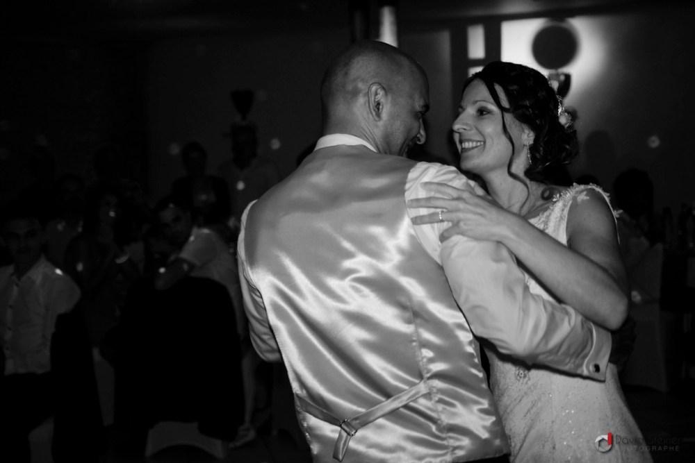 Première danse des mariés au Domaine du vert Moulin