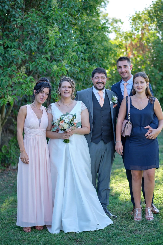 Mariage entre amis au domaine de chantegrillet à Ventabren