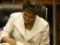 Dilma assina decreto para oferecer bolsas de estudos no exterior