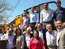 Máquinas e obras beneficiam o Sudoeste da Bahia