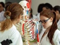 Seis municípios da Bahia ganham curso de medicina