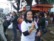 Profissionais da Educação fazem manifestação nas ruas