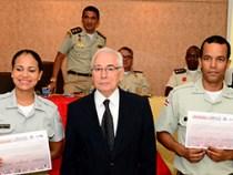 Policiais militares são certificados em curso de Libras