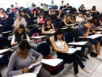 Professores ensinam maneiras de estudar para Enem