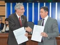 TRE e Prefeitura firmam convênio na Câmara Municipal