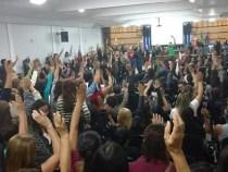 Professores municipais também deflagram greve