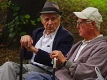Especialista denuncia abuso financeiro de idosos pelas próprias famílias