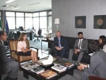Agentes federais do Consulado dos Estados Unidos reúnem-se com chefe do MP da Bahia