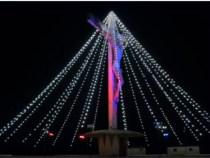 Cristo de Mário Cravo recebe iluminação de Natal