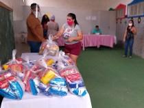 Prefeitura entrega nova remessa dos kits da alimentação escolar