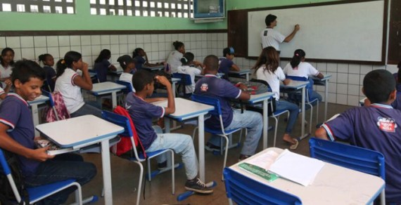 Governo nomeia 277 professores e 35 coordenadores para rede estadual