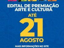 Profissionais do setor das artes e cultural recebem apoio para preencher formulários