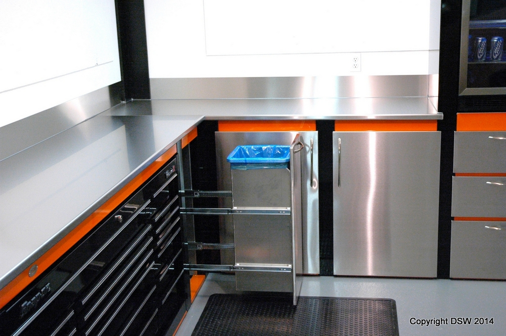 Garage Cabinets With Built-in Snap-on Toolbox - DSW ...