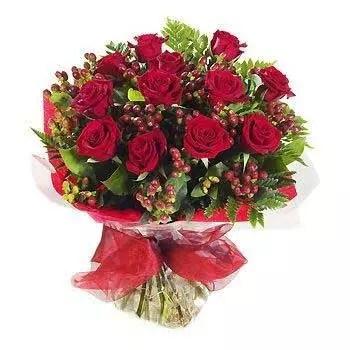 12 roses 10 berries