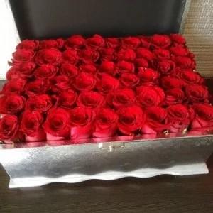 50 roses wood box