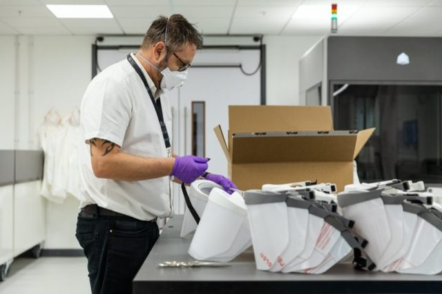 JAGUAR AND LAND ROVER CORONAVIRUS SUPPORT:DELIVERY OF 3D-PRINTED VISORS BEGINS