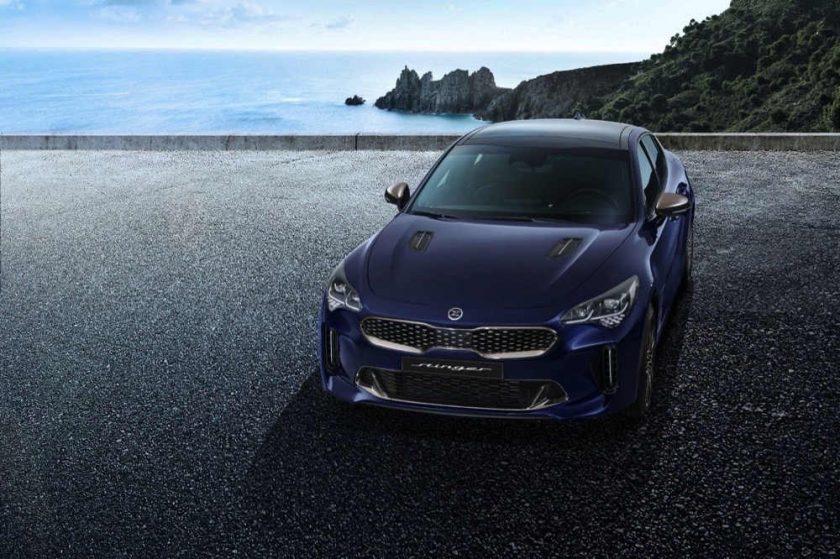 كيا تكشف عن التصميم الجديد لسيارة ستينجر مستقيمة الخلفية