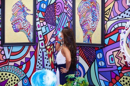 معرض فنون العالم دبي يفتح أبوابه أمام عشّاق الفن