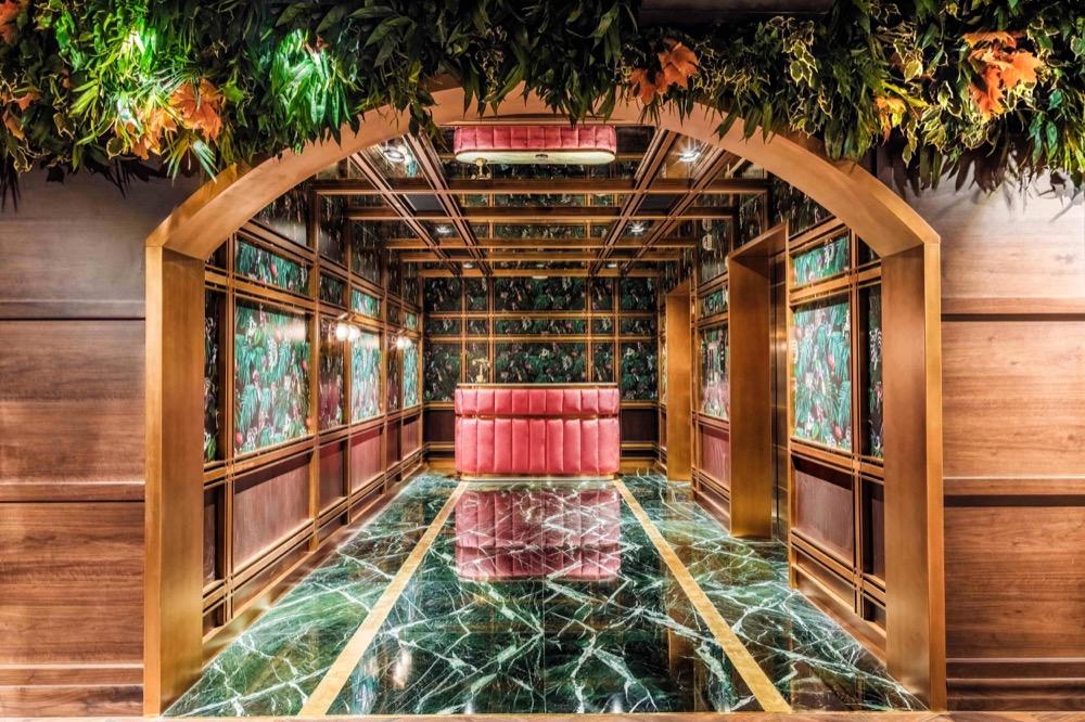 إيف لاونج يرسي معايير جديدة لمشهد الحياة الليلية في دبي مع باقة من العروض الملهمة