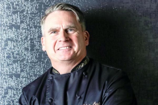 الشيف التنفيذي كريس ليستر يكشف عن وصفات من مطعم كليوزتيبل في سيزرزبلوواترز دبي